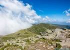 Blick vom Gipfel des Zirbitzkogel hinüber zum scharfen Eck und den Seetaler Alpen