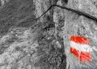 Wandermarkierung an der kurten versicherten Stelle am Knappensteig