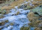 die Wasserquellen vereisen für den Winter