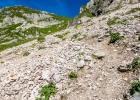 Blick zurück auf den steinigen Abstieg zum Krumpenhals