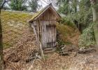 alte Hütte am Wegesrand