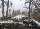 im Nebel den Bergrücken entlang Richtung Nordosten nach Eibisberg-Oberegg